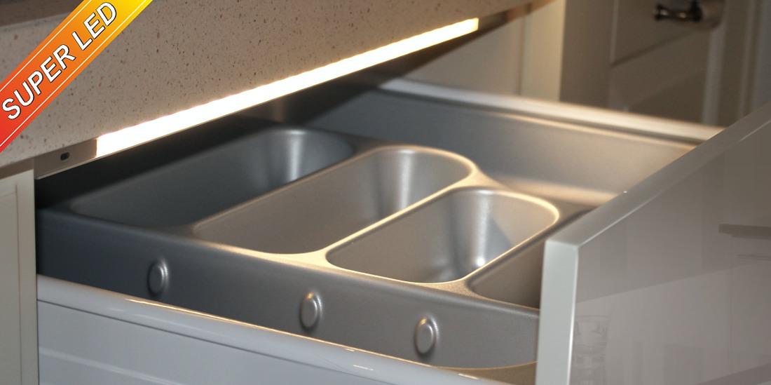 Oświetlenie do szuflad - Profil LED z inteligentnym wyłącznikiem