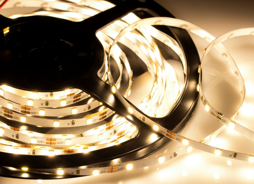 Strumień świetlny to jeden z kluczowych parametrów w doborze taśmy LED