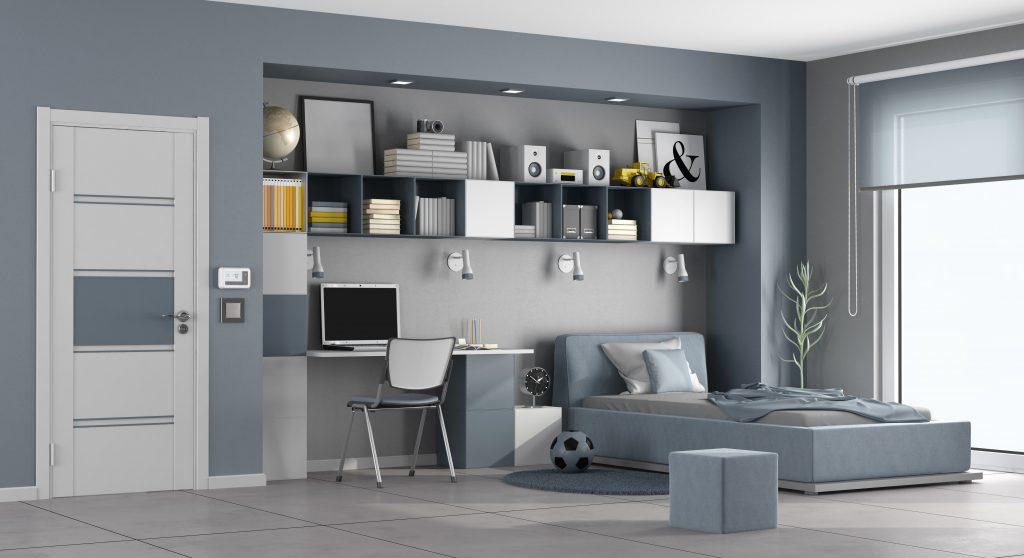 Pokój młodzieżowy z oświetleniem w formie oczek LED, skierowanym na strefę biurkową.